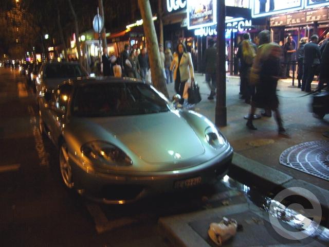 ■街角の車(パリ)_a0008105_2005739.jpg