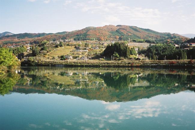 ダム湖_c0054876_74218.jpg