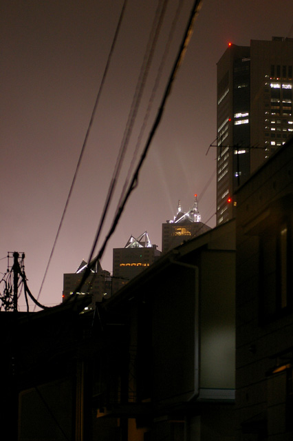 tokyo foggy night._b0058021_1114484.jpg