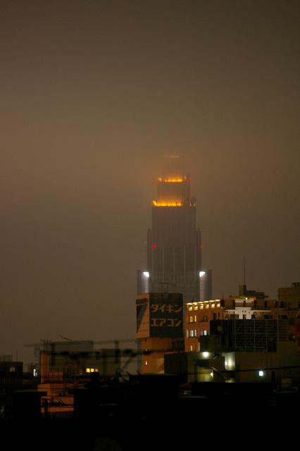 tokyo foggy night._b0058021_1115556.jpg