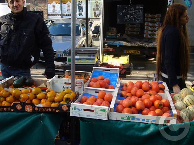 ■街角の柿KAKI(パリ)_a0014299_7211685.jpg