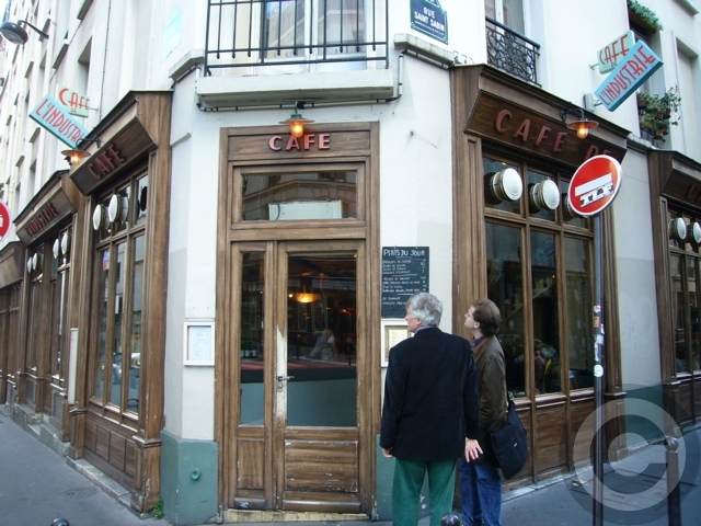 ■街角のキャフェCafe de l\'Industrie(パリ)_a0014299_19264519.jpg