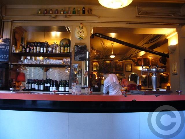 ■街角のキャフェCafe de l\'Industrie(パリ)_a0014299_19311020.jpg