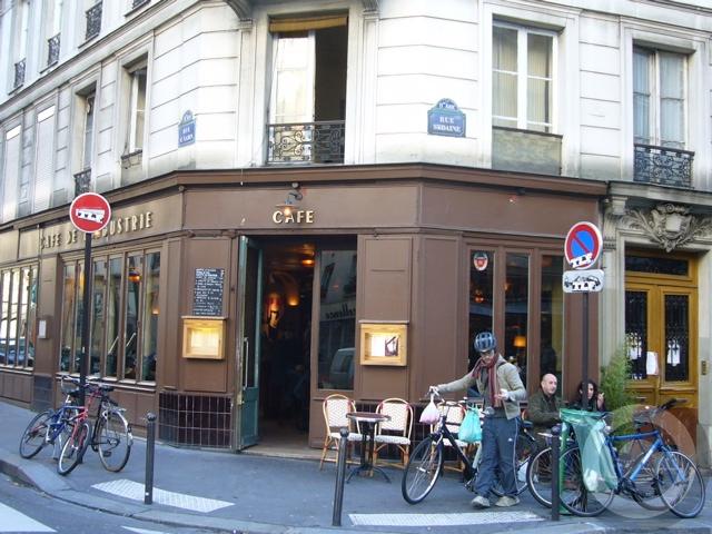 ■街角のキャフェCafe de l\'Industrie(パリ)_a0014299_19371093.jpg