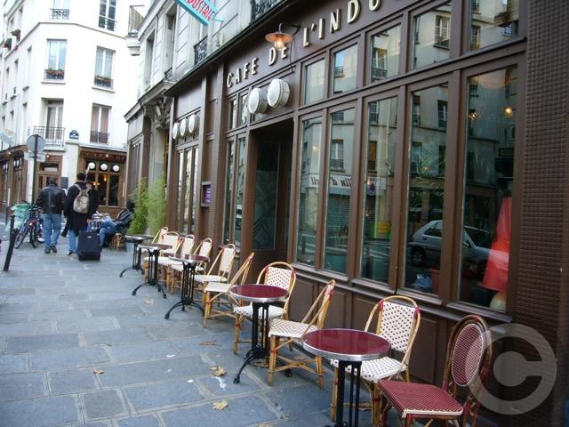 ■街角のキャフェCafe de l\'Industrie(パリ)_a0014299_19382432.jpg