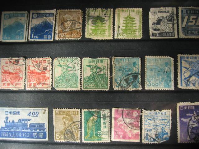 切手の整理をする_f0116158_17303583.jpg
