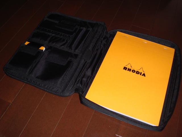 HEAD PORTER BLACKBEAUTY RHODIA CASE_f0010106_2131966.jpg