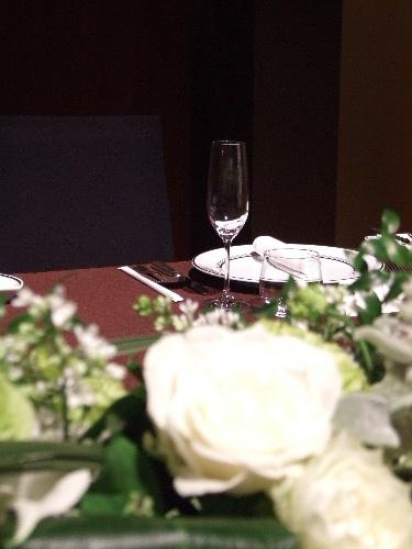 「汐留 コンラッド東京で知人の結婚式」_a0000029_0472722.jpg