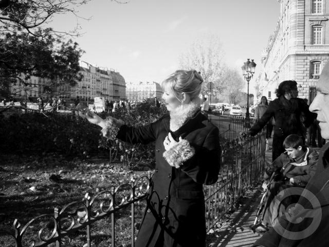 ■街角の人々(パリ)_a0008105_1162448.jpg