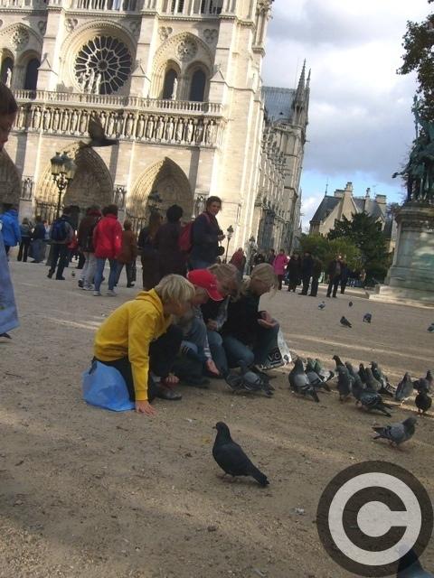 ■街角の人々(パリ)_a0008105_1183325.jpg