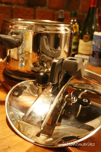 my圧力鍋、ついにご購入~!!_c0024345_10112412.jpg