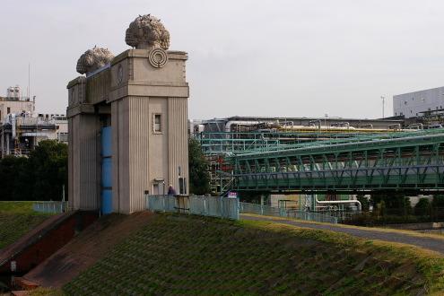 川崎まで古い水門を見に行ってきました。_b0053019_20435323.jpg