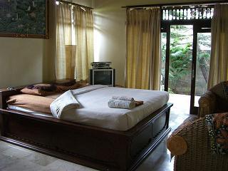 居心地の良い場所 - Rindu House, Mas_f0011059_841159.jpg
