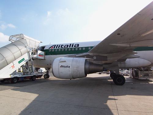 アリタリア航空_c0030685_1142596.jpg
