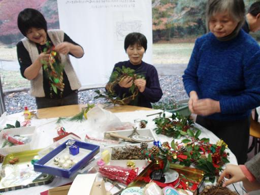 「クリスマスリース・しめ縄作り」イベントを開催しました☆_b0049307_10492923.jpg