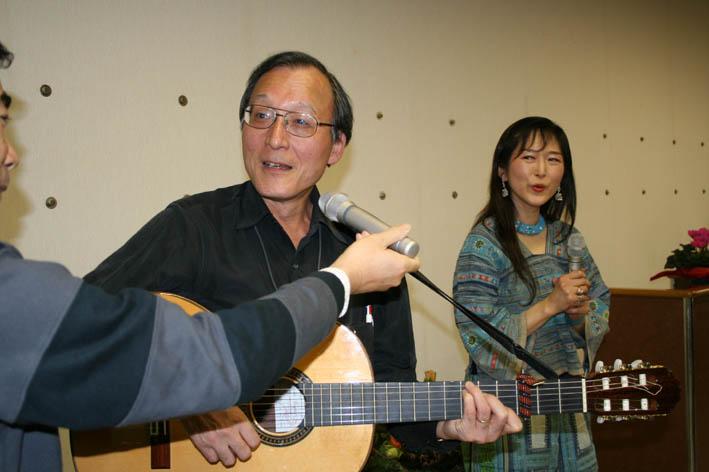シリーズ「団塊サミットin丹沢」第6回:盧佳世 青春を歌う!_c0014967_18371339.jpg