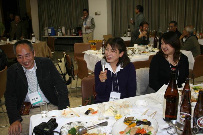 シリーズ「団塊サミットin丹沢」第6回:盧佳世 青春を歌う!_c0014967_1843034.jpg