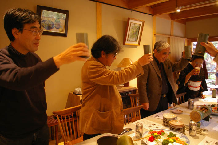 北鎌倉湧水ネットワークのこの1年(兼松邸で忘年会 12・9)_c0014967_23102947.jpg