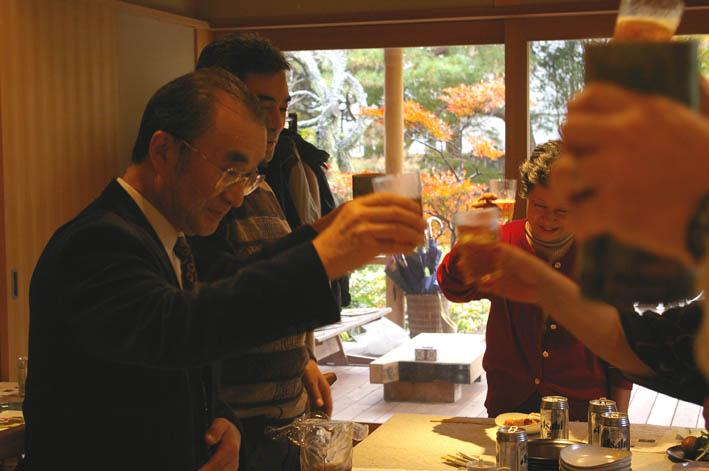 北鎌倉湧水ネットワークのこの1年(兼松邸で忘年会 12・9)_c0014967_23105349.jpg