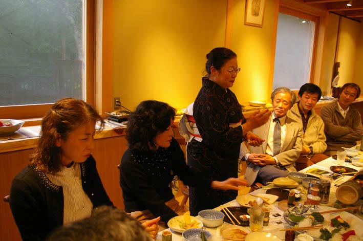 北鎌倉湧水ネットワークのこの1年(兼松邸で忘年会 12・9)_c0014967_2311913.jpg