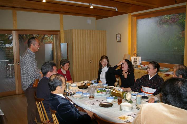 北鎌倉湧水ネットワークのこの1年(兼松邸で忘年会 12・9)_c0014967_2374653.jpg
