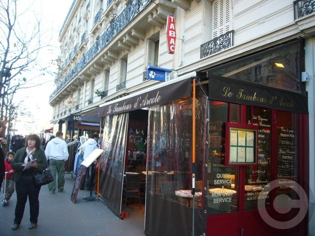■街角のキャフェ(パリ)_a0014299_22214922.jpg