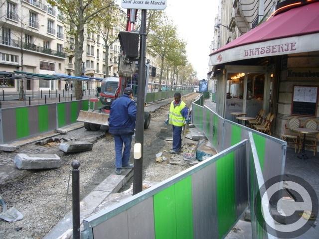 ■あちらこちら工事中のパリ(PARIS)_a0008105_4351014.jpg