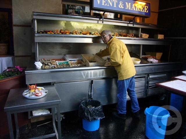 ■マルシェの牡蠣HUITRE(PARIS)_a0014299_5551769.jpg
