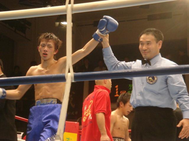 相澤国之、OPBFスーパーフライ級新王者に!(12.11後楽園ホール) : ボクシングストレートレポート(ボクレポ)