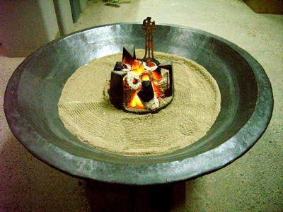 火鉢でポッカ・ポッカです。_e0046128_16131768.jpg