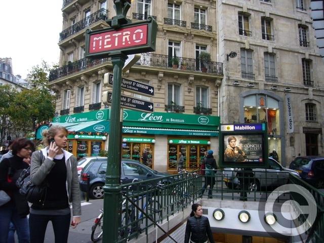 ■メトロ(PARIS)_a0008105_19193778.jpg