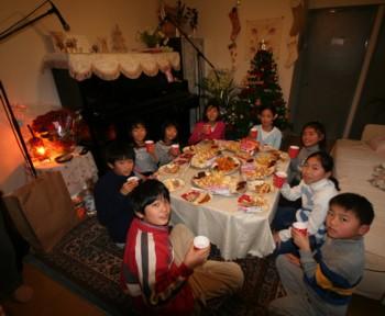 双子+お兄ちゃんのクリスマス・ピアノ発表会♪_d0082356_19204720.jpg