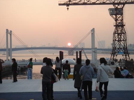 http://pds.exblog.jp/pds/1/200612/18/35/d0000135_02294.jpg