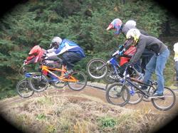 JOSF緑山2006ファイナルレース VOL 3 BMXエキスパートクラス予選画像垂れ流し_b0065730_22311879.jpg