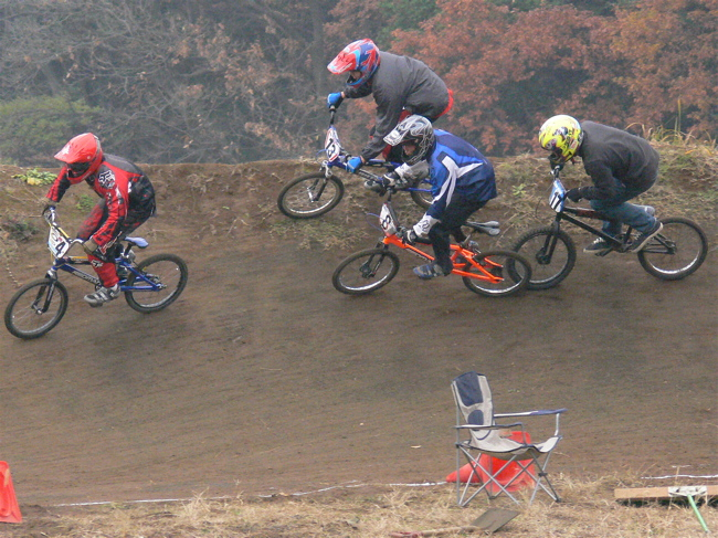 JOSF緑山2006ファイナルレース VOL 3 BMXエキスパートクラス予選画像垂れ流し_b0065730_22354660.jpg