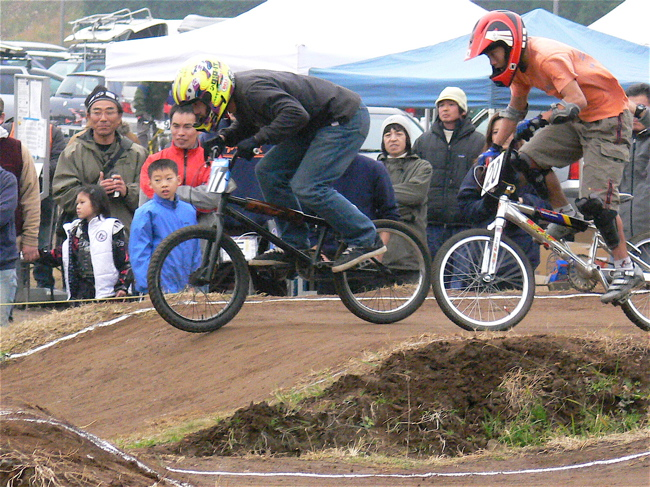 JOSF緑山2006ファイナルレース VOL 3 BMXエキスパートクラス予選画像垂れ流し_b0065730_22365270.jpg