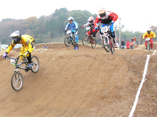 JOSF緑山2006ファイナルレース VOL 3 BMXエキスパートクラス予選画像垂れ流し_b0065730_2238418.jpg