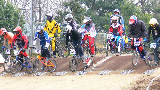 JOSF緑山2006ファイナルレース VOL 3 BMXエキスパートクラス予選画像垂れ流し_b0065730_2242434.jpg