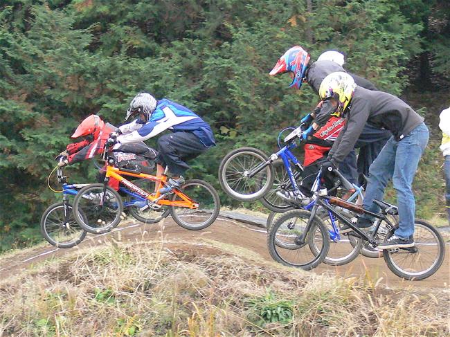 JOSF緑山2006ファイナルレース VOL 3 BMXエキスパートクラス予選画像垂れ流し_b0065730_22425089.jpg
