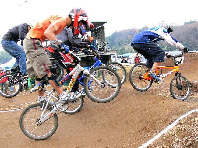 JOSF緑山2006ファイナルレース VOL 3 BMXエキスパートクラス予選画像垂れ流し_b0065730_22434936.jpg