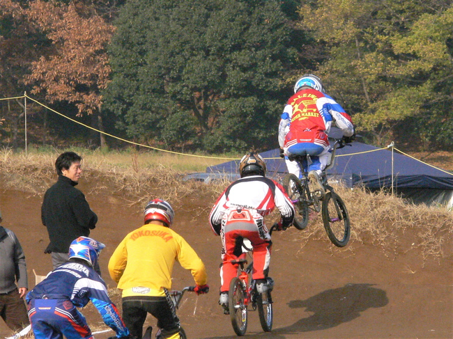 JOSF緑山2006ファイナルレース VOL 3 BMXエキスパートクラス予選画像垂れ流し_b0065730_224956100.jpg