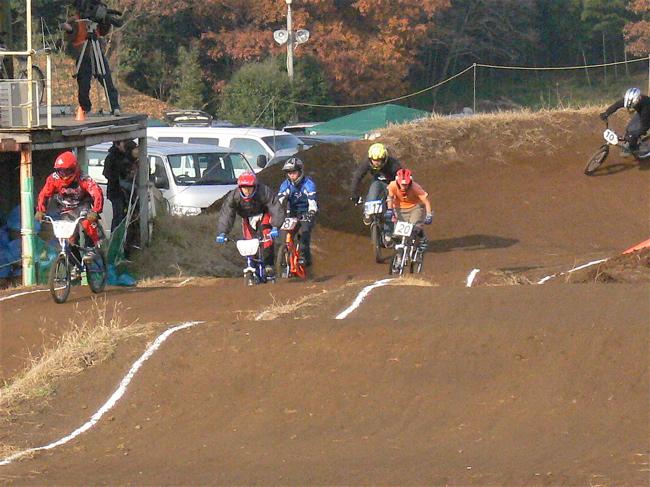JOSF緑山2006ファイナルレース VOL 3 BMXエキスパートクラス予選画像垂れ流し_b0065730_2252458.jpg
