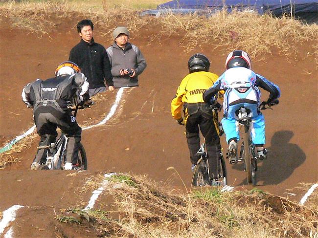 JOSF緑山2006ファイナルレース VOL 3 BMXエキスパートクラス予選画像垂れ流し_b0065730_22545490.jpg