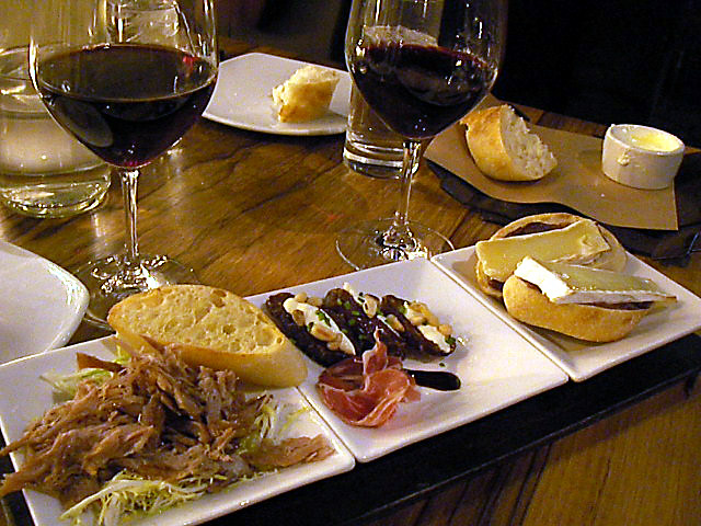 Purple Cafe and Wine Bar_e0061902_5302081.jpg