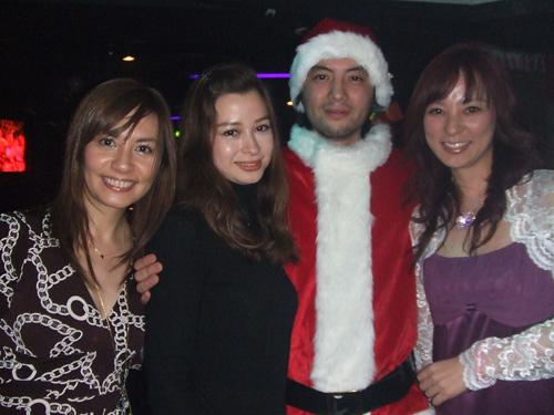 クリスマス パーティーでは、キラキラしたスマイルが似合います。_f0094800_1153686.jpg