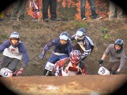 JOSF緑山2006ファイナルレース VOL 10 BMXマスターズクラス予選〜決勝画像垂れ流し_b0065730_2318670.jpg