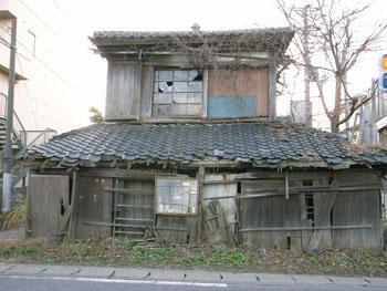 風雪に耐える窓    木下 (千葉県)_e0098739_22181291.jpg