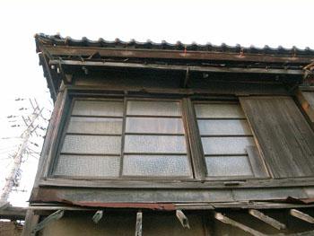 風雪に耐える窓    木下 (千葉県)_e0098739_22184969.jpg