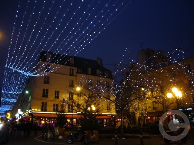 ■ムフタール界隈(パリ5区)のイルミネーション(PARIS)_a0008105_7433621.jpg