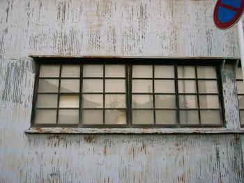 工場の窓  布佐(千葉県)_e0098739_5384865.jpg